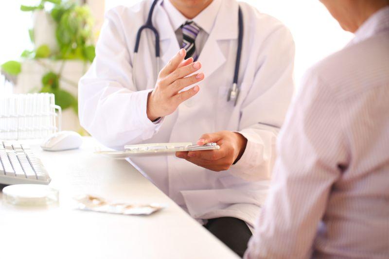 うつ病かも…病院に行く3つのタイミングとは?看護師&心理相談員が解説